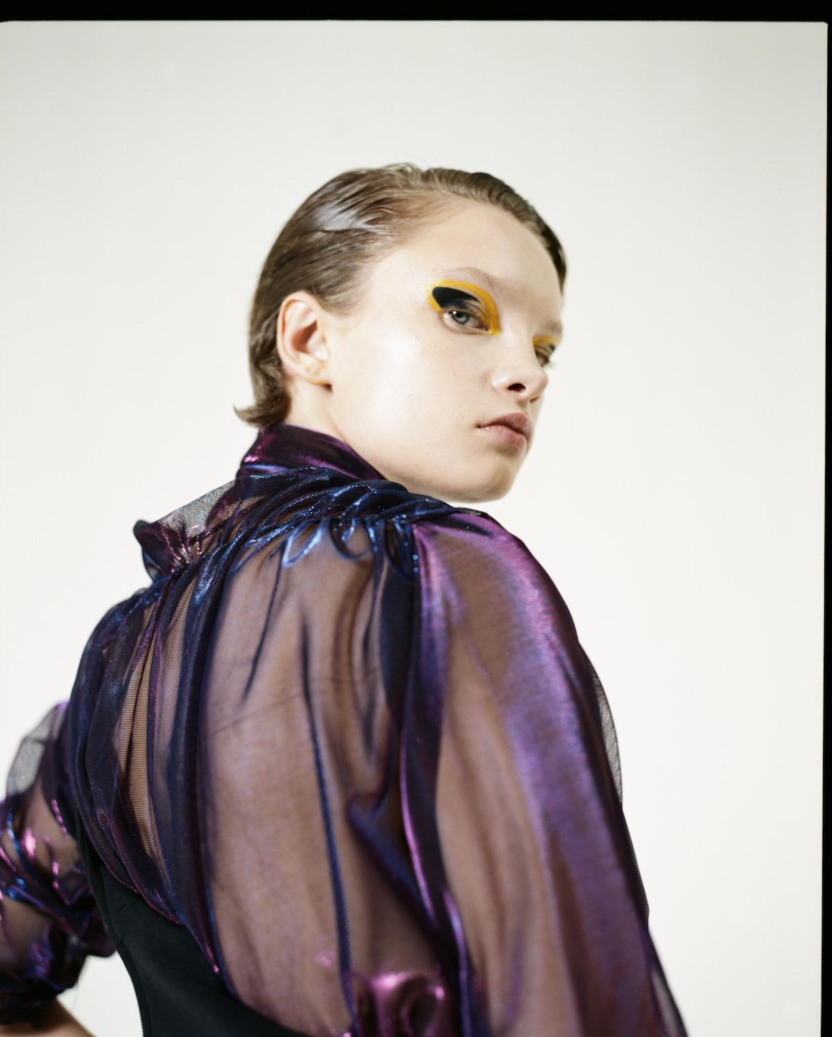 Teeth Magazine Online Mathilda Berns Fashion Film Editorial Ouestmausure